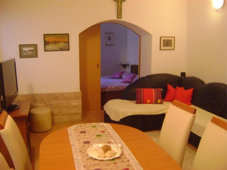 bedroom in small space accommodation central dalmatia trogir apartment 14330