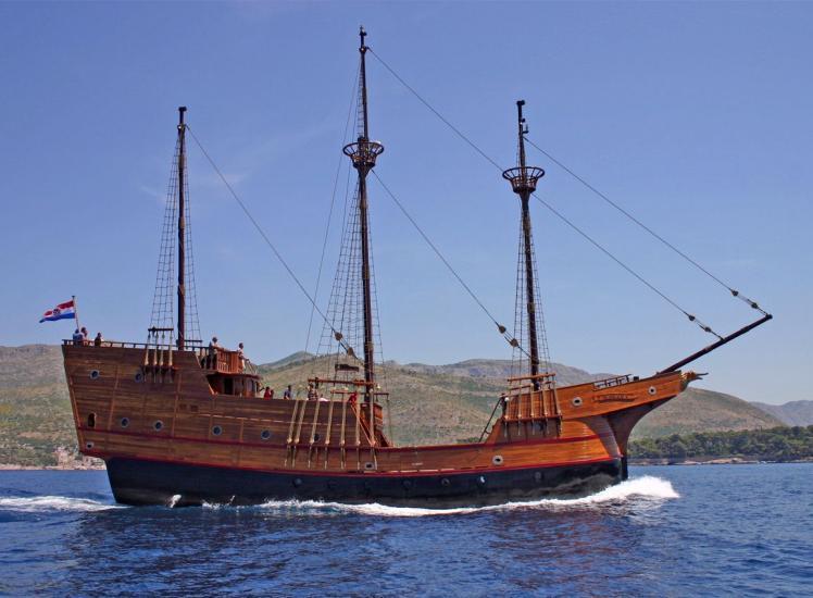 Bermuda Car Rental >> KARAKA, Karavela - Cruisers